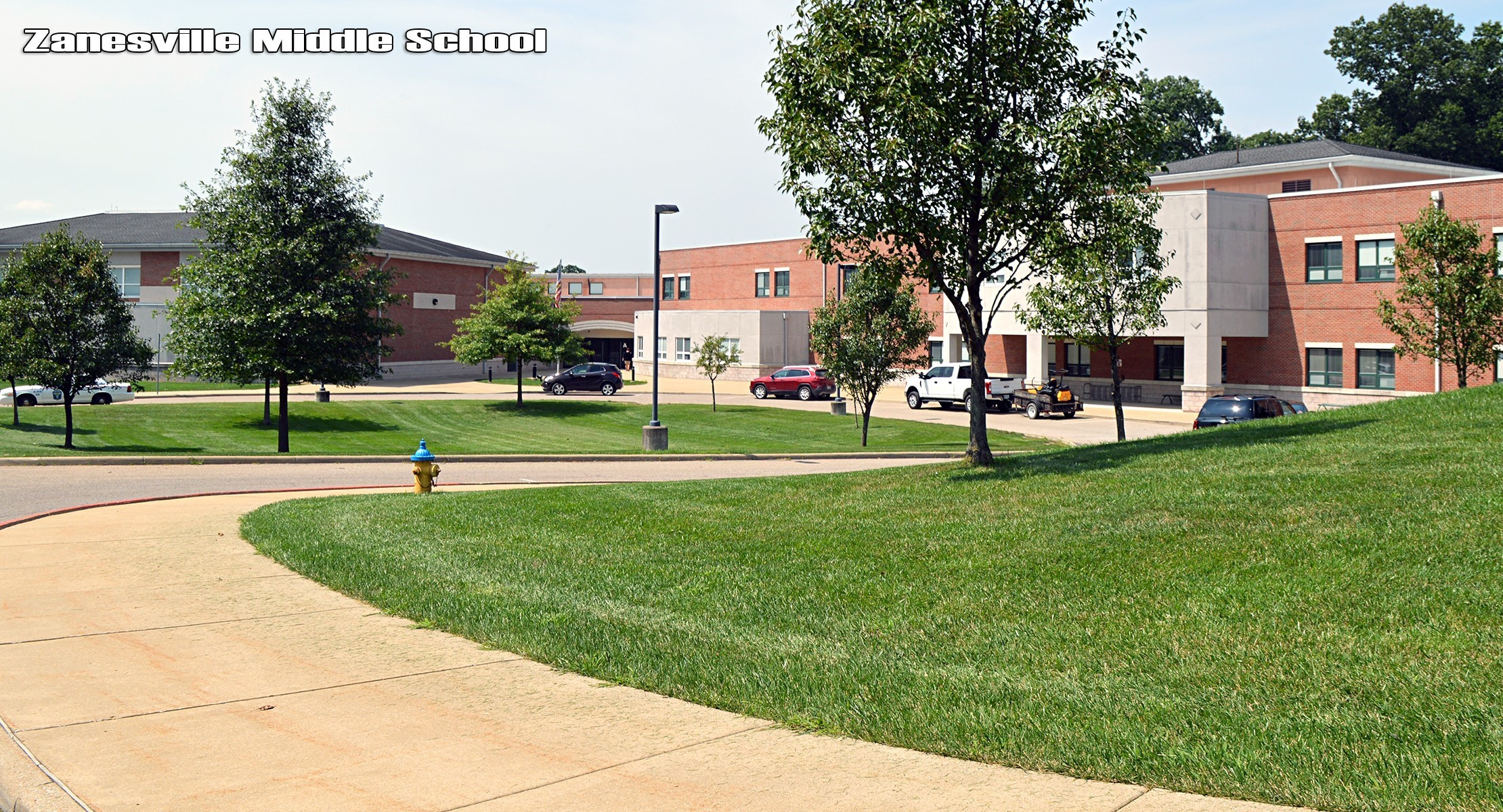 Zanesville Middle School building